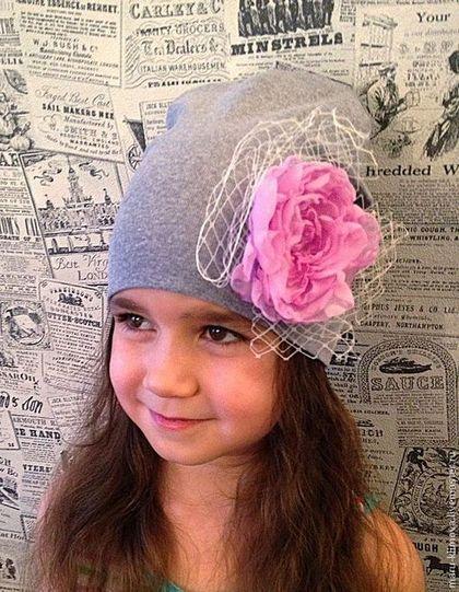 Одежда для девочек, ручной работы. Ярмарка Мастеров - ручная работа Трикотажные шапочки с цветком. Handmade.