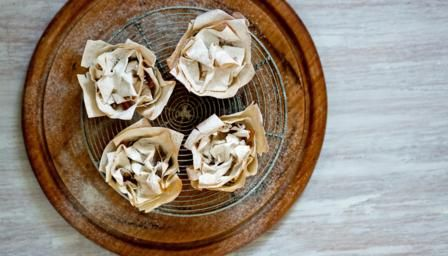 BBC - Food - Recipes : Crispy filo mince pies with pear and apple mincemeat