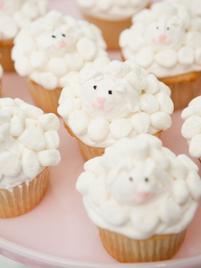 Cream Easter Lamb Cupcakes, Easter Birthday Party for Kids #2014 #easter #cupcakes www.loveitsomuch.com