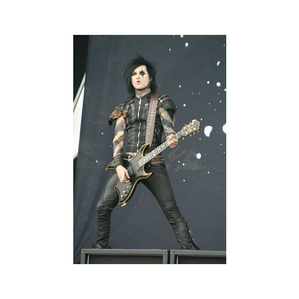 Festival eCards Black Veil Brides Download Festival 2012 ❤ liked on Polyvore featuring black veil brides, bvb and people