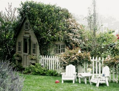 This Little Cottage Garden House Is So Adorable With The Vines Growing Over  The Top, Picket Fence And Door!