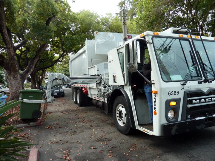 Berkeley began using automated singleoperator garbage