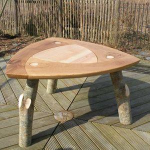 Table intérieure aux pieds interchangeables...