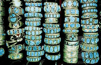 Navajo turquoise and silver jewelry in Bill Richardson´s Trading Post, Gallup. New Mexico, USA