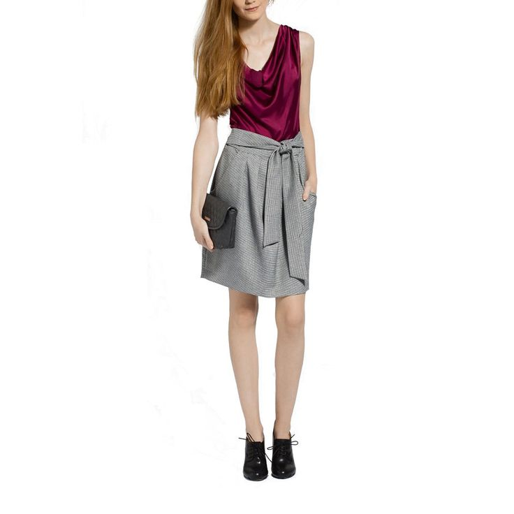Office dress with pockets and above the knee length