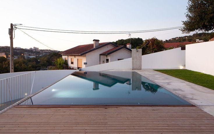Gallery of Pool Pavilion / António Cruz Lopes – 7