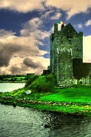 Dunguaire Castle, Ireland, near Kinvarra in County Galway built in 1520 by the Hynes clan that had ties to land since 662. The Lord of the castle was rumored to be very generous & continues his acts today, if a person stands at the front gate with a question, they will have an answer by days end!53.143,-8.939: Favorit Place, Emeralds Isles, Castles Vacations, Green, County Galway, Luxury Travel, Beauty Place, Future Travel, Dunguair Castles
