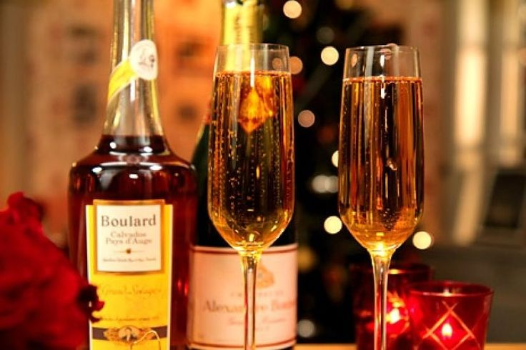 Champagnecocktail / Drinkar ~ Leilas recept | Leila Lindholm (leila.se)