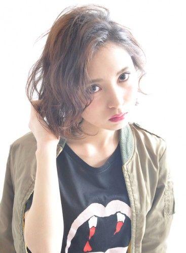 無造作ウェーブのセクシーボブ☆ ダンスパフォーマンス用のヘアスタイル 髪型・アレンジ・