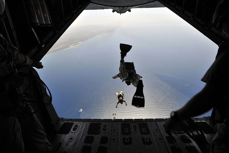 In a Rare Use of Capabilities Elite USAF Rescue Team Jumps to Aid Burned Sailors. In one of the most dramatic operational scenarios possible, seven elite New York Air National Guard Pararescue oper…