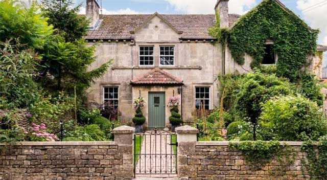 Wiltshire countryside cottage