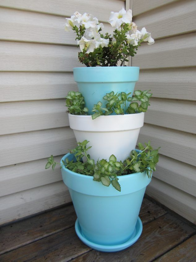 In this hot days, we shouldn't go anywhere. We should stay at home and to do crafts for beatifying the home and the garden during the day. This post offers you instructions how to make stacked flower pots for the garden. Take a look and stay positive. Your garden is the place that must be…