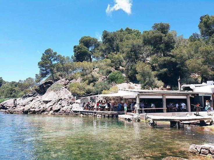 Chiringuito El Bigotes - Cala Mastella, Santa Eulària des Riu, Eivissa - restaurante, bullit de peix - ENJOY IBIZA