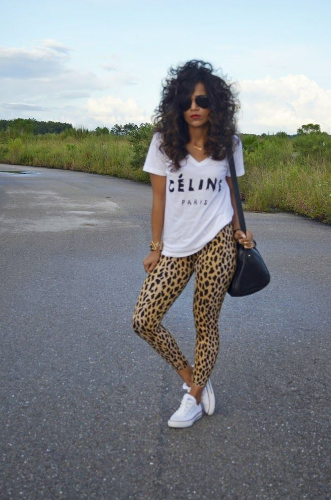 print with basic top is a great combo! So chic