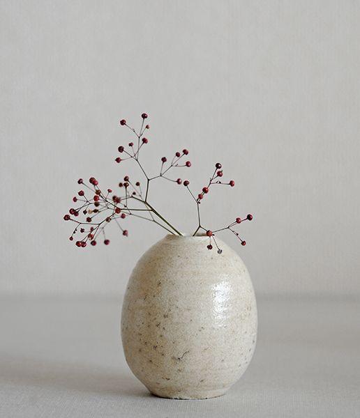 analogue life . shinji hidaka - bud vase