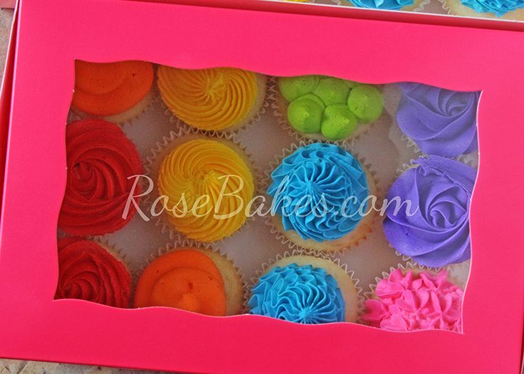 Where to buy cake/cupcake boxes and inserts. Click over to read about where I buy boxes, cake boards and inserts and how I transport cakes!