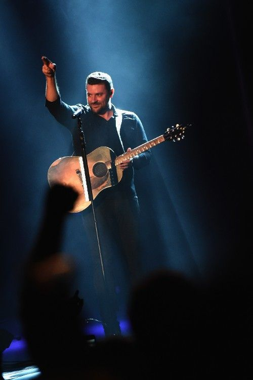 """CHRIS YOUNG KICKS OFF """"I'M COMIN' OVER"""" U.S. TOUR  WITH HOMETOWN SHOW IN NASHVILLE  September 30, 2015…Nashville, TN…Just days after returning stateside following the sold-out European leg of his """"I'm Comin' Over"""" World Tour, RCA Records artist Chris Young headlined a hometown show at Nashville's Ascend Amphitheater to kick off his U.S. concert tour in front of a crowd of over 5,000 fans."""