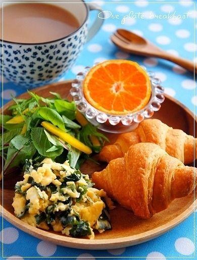 冷凍パンでワンプレート朝食~ワカメとチーズのスクランブルエッグ ...