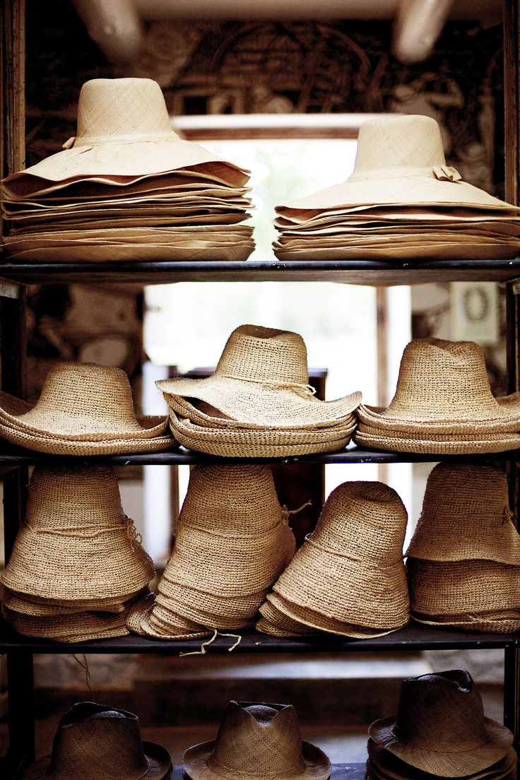 hawaiiancoconut:  Lots of hats.