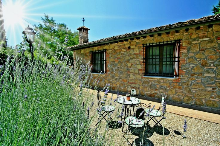 Brunello - San Gimignano #siena #tuscany  Stunning property with swimming pool.