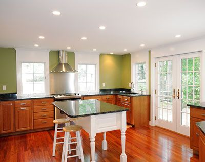 Its Green Thursday! Here's a great article by Better Homes and Gardens Real Estate about going green when building.: Traditional Kitchens, Two Tone Kitchens, 33 Kitchen Design Ideas Org, Kitchens Gallery, Traditional Two Tone