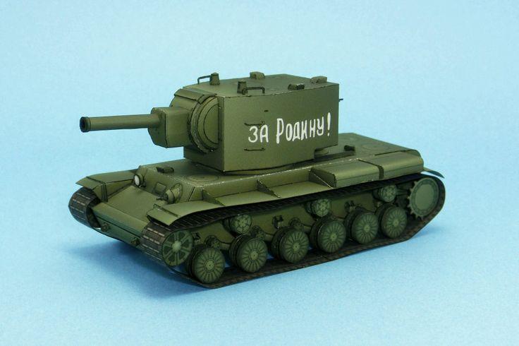 El KV-2, acrónimo de Kliment Voroshilov 2 (en ruso: Климент Ворошилов 2), fue un tanque pesado soviético destinado a funcionar como artillería autopropulsada. La designación KV fue el nombre oficial de la serie de tanques pesados soviéticos desarrollados entre 1940 y 1943, llamados así por el héroe de la Guerra Civil Rusa, el líder militar y político Kliment Efremovich Voroshílov (Ворошилова Климента Ефремовича). Más info en Wikipedia  Escala 1/72