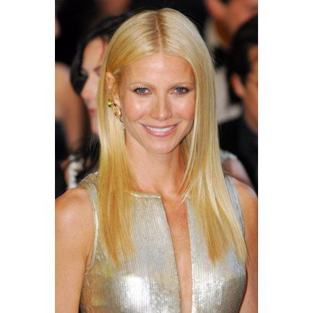 Gwyneth Paltrow (Wearing Louis Vuitton Earrings) At Arrivals For The 83Rd Academy Awards Oscars - Arrivals Part 1 Canvas Art - (16 x 20)