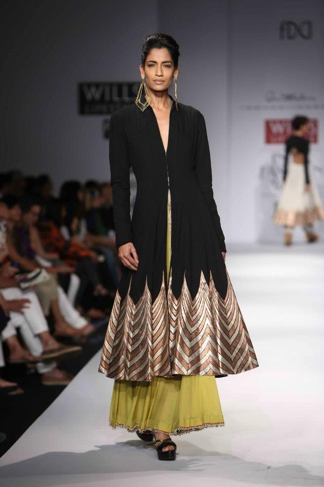 Scarlet Bindi - South Asian Fashion: Wills Lifestyle Fashion Week Spring/Summer 2013