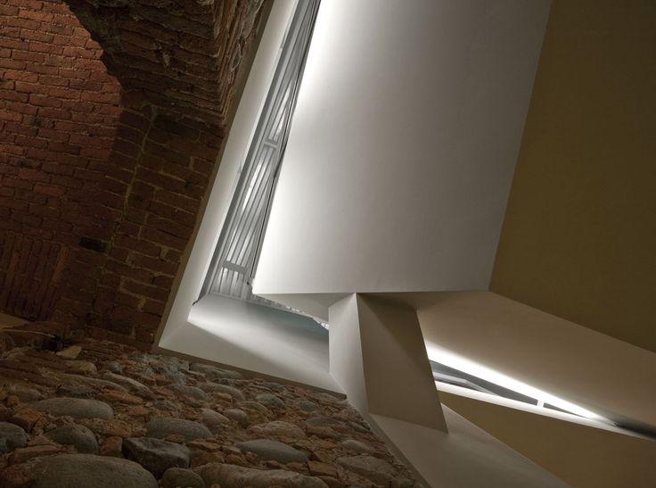 Studio Marc, riconversione di un granaio degli anni Venti in abitazione a Mathi, Torino #conversion #architecture #italy