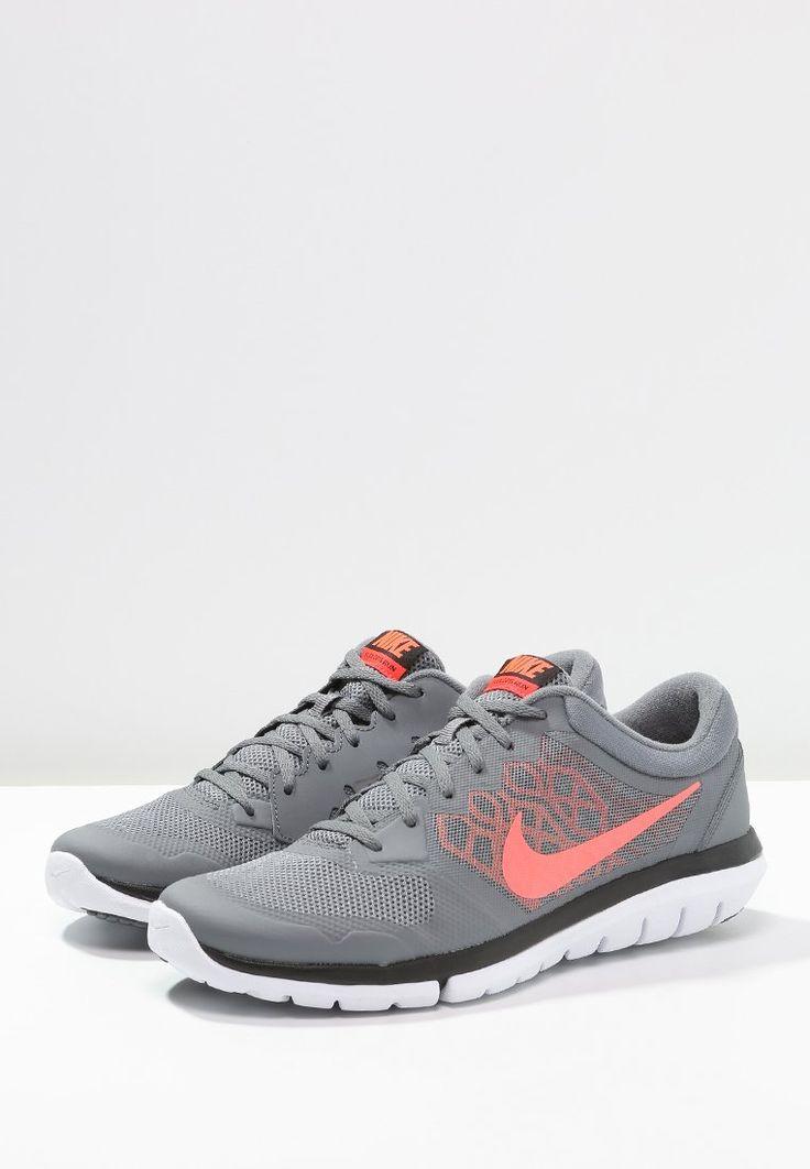 bestil Nike Performance FLEX 2015 RUN - Løbesko lethed - cool grey/hyper orange/bright crimson til kr 524,00 (22-12-15). Køb hos Zalando og få gratis levering.
