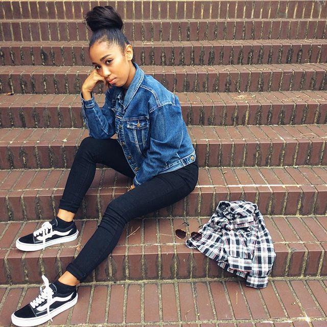 【urbanlight_fashion】さんのInstagramをピンしています。 《#コーデ #ootd ♡ ハイウエストスキニーにジャケットを羽織っただけのカジュアルコーデです。♡ . . ※モデル @aja1208 :157cm、S着用 . . ✅公式LINE開設➡︎ @bjr1694f (アットマークから)お友達登録でクーポンプレゼント♡お問い合わせはメールでお願いします。 . 【@urbanlight_fashion 】 店舗:〒730-0036 広島市中区袋町2-7-3F 通販: http://urbanlightfashion.com 12:00-20:00(定休日:火) ⚠️10/11(火)OPEN、10/12(水)-10/13(木)お休み #fashion #la #snap #vans #sneaker #kicks #denim #hair #西海岸 #海外 #外国 #ロス #ファッション #海 #カリフォルニア #バンズ #スニーカー #サーフ #スケボー #デニム #チェック #グラサン #お団子 #ヘアー #キックス》