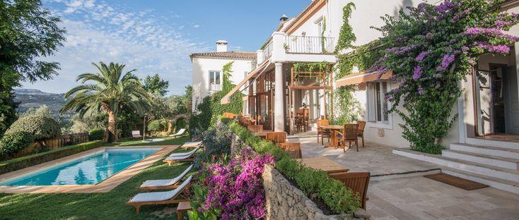 Hotel La Fuente de la Higuera is a beautiful boutique hotel in Malaga. Chic Retreats members receive hotel discounts and other benefits when booking Hotel La Fuente de la Higuera online.