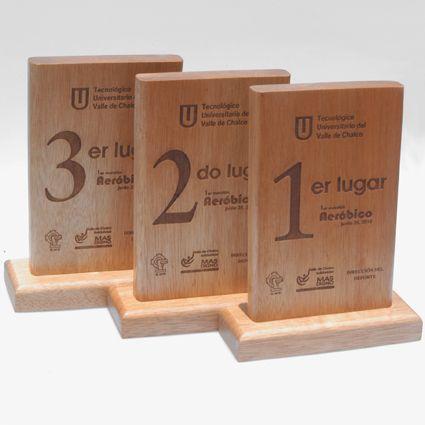 Reconocimientos en madera, grabados y personalizados en láser