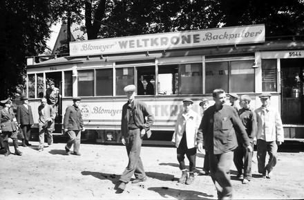 Berlin: Heiligensee, russische Arbeiter steigen aus 1942