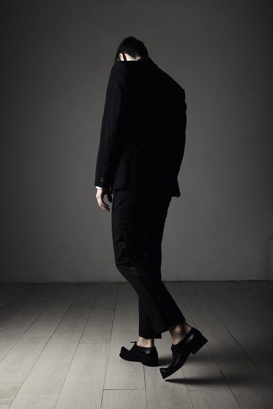 Aki Choklat Privé, Robert, Photo: Ruggero Mengoni  Model: Stefan Fugger Styling Assistant: Satu Saarno Florence, Italy. #akichoklat #shoe #footwear #mensshoes #mensfootwear #mensfashion #black #leather http://www.akichoklat.com/
