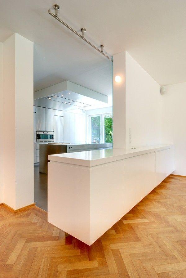 #wohnzimmer #küche #wohnküche #raumteiler #küchenblock #stauraum # Schiebetüre #glas