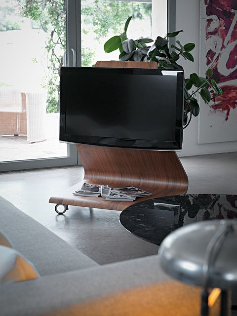 Cobra, Tv stand - Design: Mario Bellini, 2006 / Albino Family, coffee & side table - Design: Salvatore Indriolo, 2011