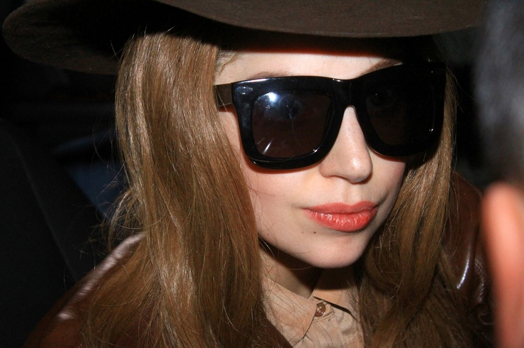 Lady #Gaga Cancels Tour Dates, Can't Walk Due To #Synovitis: But What Is It?