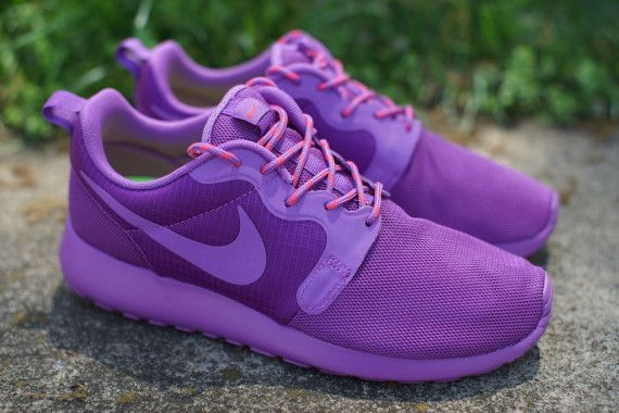 "Nike Womens Roshe Run HYP ""Violet"" - Available - SneakerNews.com"