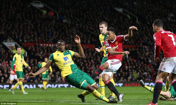 Manchester United 1-2 Norwich City: In a tight penalty area, Anthony Martial pulls a goal back for United.
