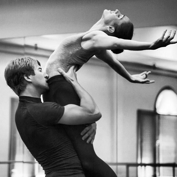 """Ballet West Soloist Christopher Sellars & First Soloist Arolyn Williams rehearse Helen Pickett's """"But Never Doubt I Love"""" (Photo Beau Pearson)"""