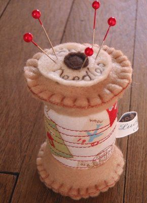 I love this pincushion. Too cute.