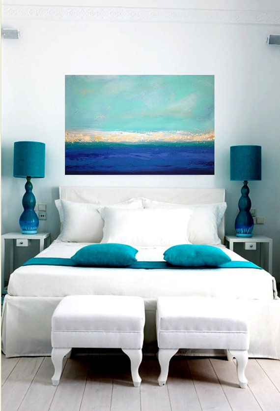 A room with shades of blue and white! Simply lovely! Love the coastal colors. #bedroom #ideasbedroom #bluebedroom #roomdecorideas
