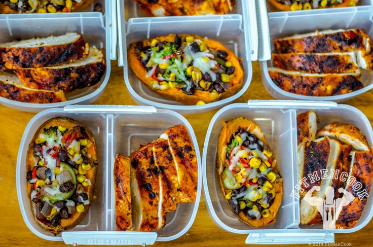 Clean meals: Make weekly meal prep fast, easy, and fun with these 5 delicious recipes that offer new takes on your favorite fit-food staples. These all look amazing and under 400 calories Easy Meal Prep, Healthy Meal Prep, Healthy Cooking, Healthy Eating, Cooking Recipes, Healthy Recipes, Delicious Recipes, Healthy Carbs, Stay Healthy