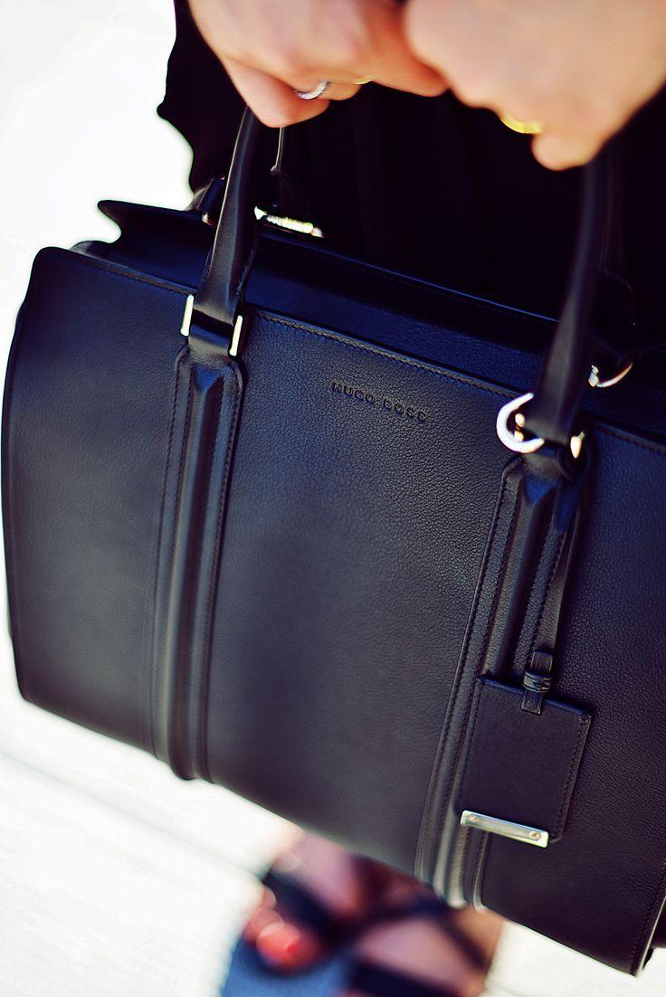 Hugo boss ladies leather gloves - Kristina Bazan S Black Bag Is From Hugo Boss