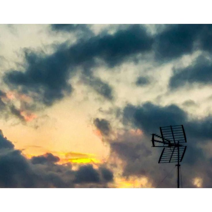 Check and follow my profile! Thanks!In ricezione... Receiving... -- #cielo #sky #clouds #cloud #photoofday #picoftheday #photography #photo #photo #ph #picture #pic #sunset #tramonto #antenna #panorama #view #landscape #cloudporn #skyporn #colours #foto #thoughts #fotografia #instgood #insta #igers #insta #wonderful #instagram