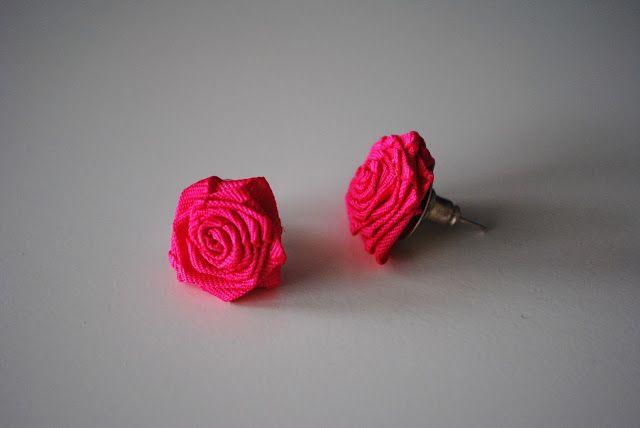 růže ze stuhy