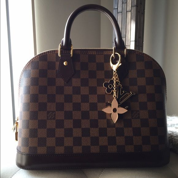 8cd71142519 Louis Vuitton , ALMA Brand new , used twice , comes with dust bag And lock