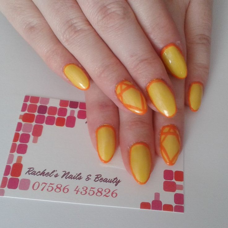 Oval Bio Sculpture Gel sculptured extensions with geometric nail art in No. 2030 Daffodil & No. 2028 Tangerine.