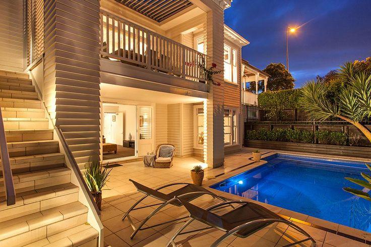 Classical return-verandah colonial villa    #Auckland City   #NewZealand   Luxury Property Selection
